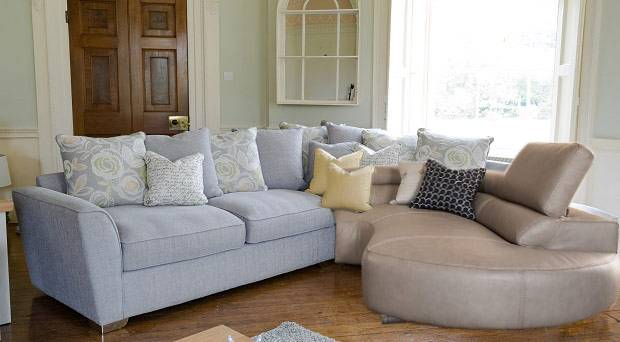 Leather vs fabric sofas here is the guide 6 leather vs - Cojines decorativos para sofas ...