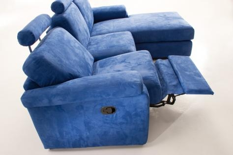 Get the best of 2016 sofas market blue reclining sofas for Blue leather reclining sofa