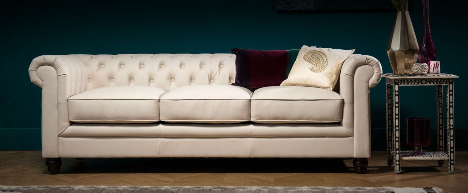 Leather sofas best stores to get your dream piece in 2017 for Best store to buy sofa