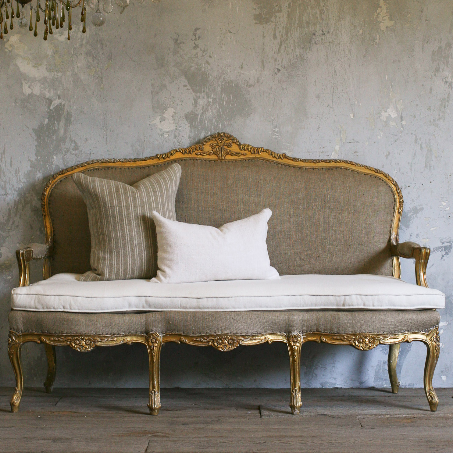 Best of antique couch sofa and settee styles bring back the good old days 14 best of Antique loveseat styles