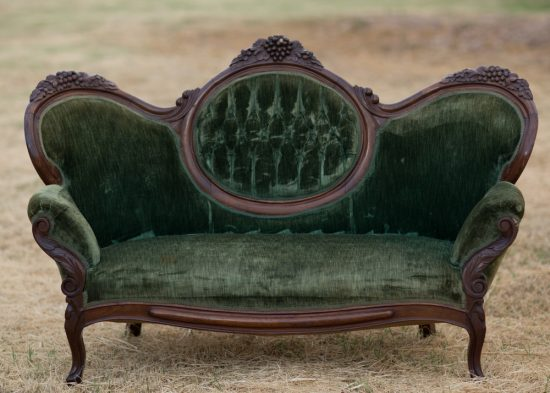 best of antique couch sofa and settee styles bring back. Black Bedroom Furniture Sets. Home Design Ideas