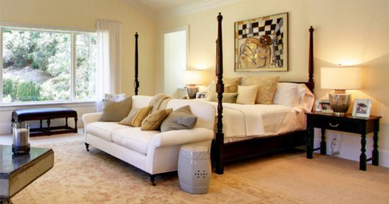 Bedroom Sofas: What Is the Best Choice for Such a Private Room?