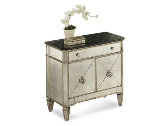 Small accent tables; a stylish touch with benefits for your home