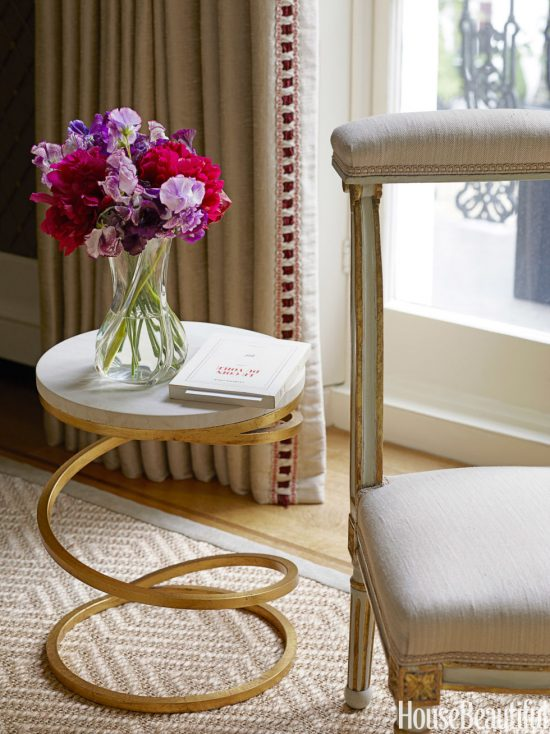 Tips on choosing your perfect accent table from today's market