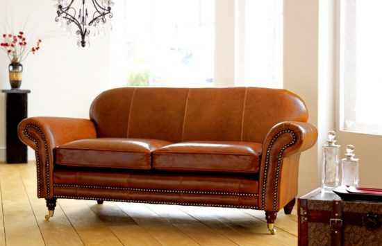 Antique leather sofas; a touch of elegance and luxury