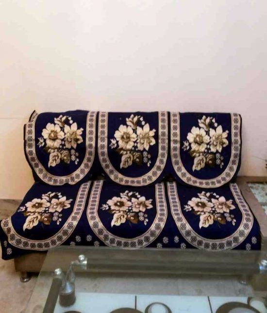 Reupholster Your Old Sofa with Such Functional Tips 5