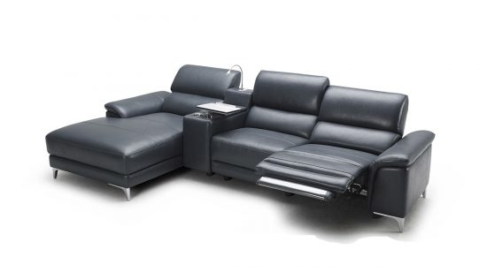 Chesterfield Leather reclining sofas a refuge for coziness and maximum relaxation